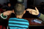 Дети на уроке в детском доме. Архивное фото