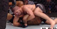 Поклонники смешанных единоборств могут посмотреть бои UFC, которые завершились с применением болевого приема кимура.