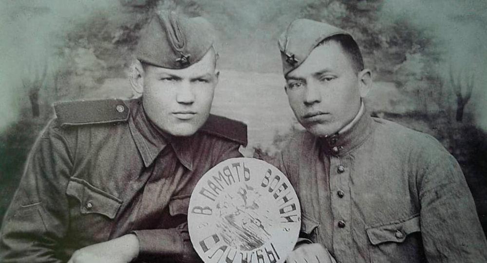 Ветеран Великой Отечественной войны Павел Петрович Нестеров(слева)