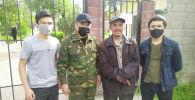 Бишкек шаарынын коменданты колдоо көрсөтүү максатында издеп жаткан туруктуу үй-жайы жок Кайрат аттуу жаран табылганын кабарлады