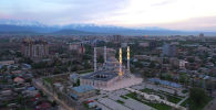 Сегодня Бишкеку исполнилось 142 года. Мы не можем гулять по любимому городу и праздновать его день рождения, но можем вспомнить о красоте своей столицы.