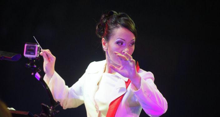 Главный дирижер фестиваля Дорога на Ялту Ли Отта во время концерта