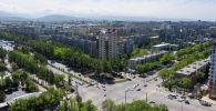 Вид на пересечение проспекта Чуй с улицей 7 апреля с высоты в Бишкеке
