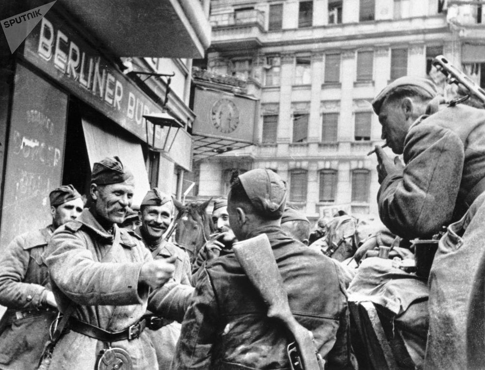 В ходе Берлинской операции Красная армия разгромила самую крупную в истории войн вражескую группировку