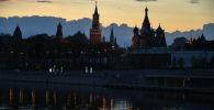Вид на Васильевский спуск в Москве. Архивное фото