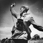 Комбат Макса Альперта. Младший политрук 220-го стрелкового полка 4-й стрелковой дивизии 18-й армии Алексей Еременко заменил раненого командира роты и погиб, поднимая бойцов в контратаку.