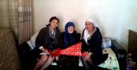 Ош облусуна караштуу Өзгөн шаарында жашаган 100 жаштагы Саламатхан Маллабековага биринчи ирет Кыргызстандын паспорту берилди