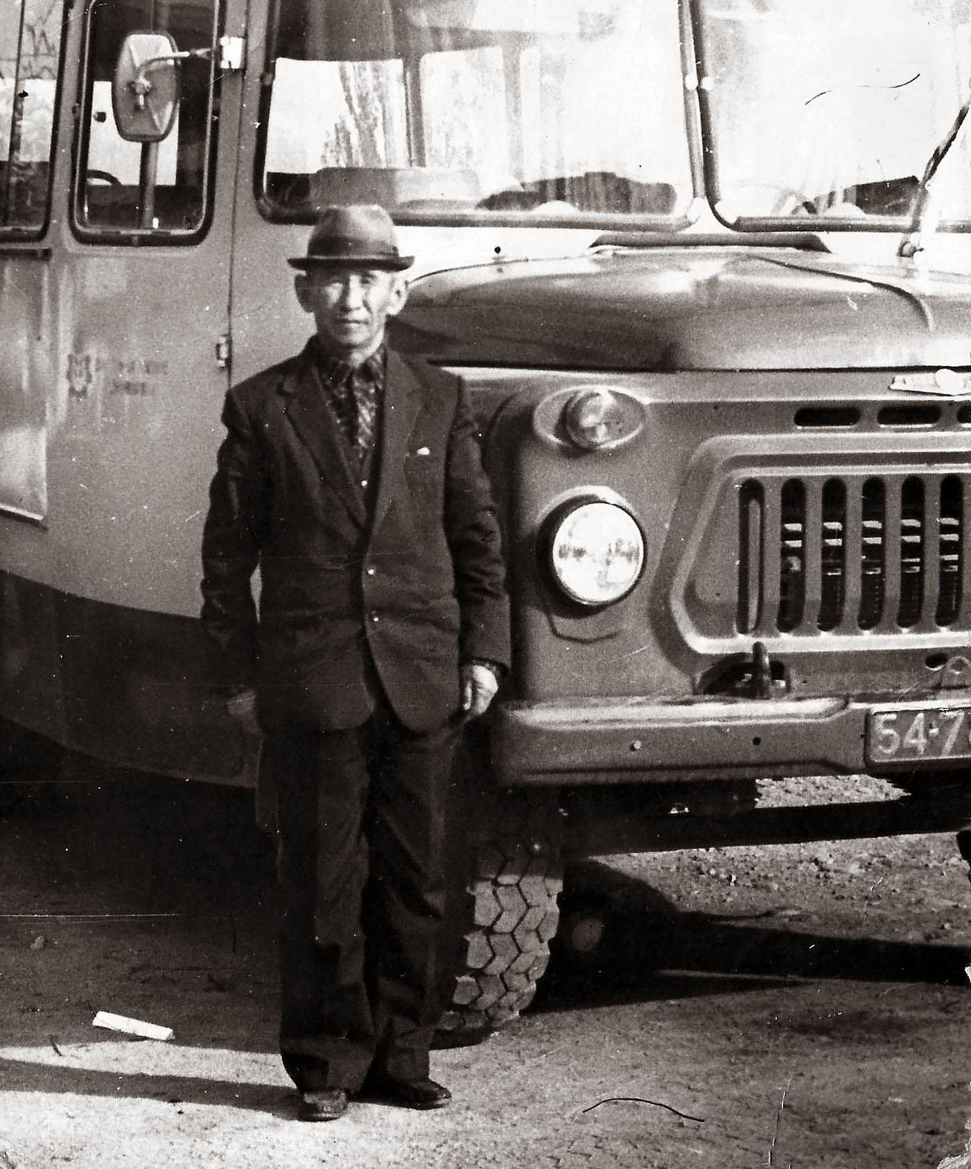 Ветеран Великой Отечественной войны Алагуш Токтоназаров в селе Джети-Огуз в 1980-году