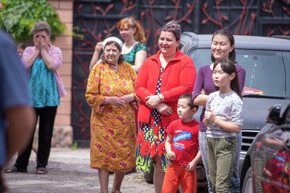 Сегодня по всей стране от самого дальнего села и до столицы Кыргызстана звучат песни военных лет, в память о великом подвиге советского народа.