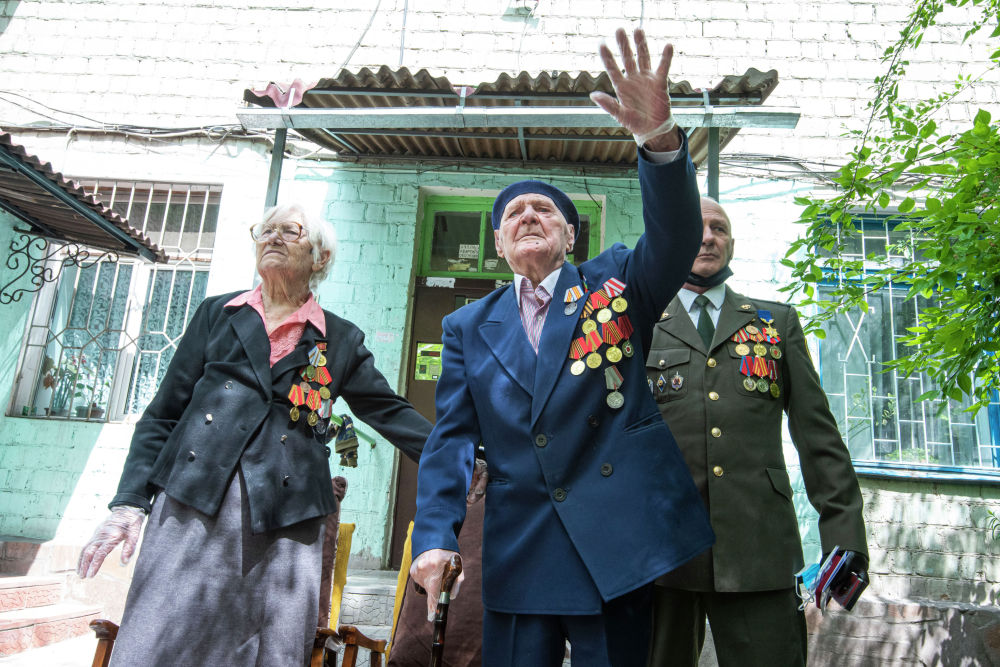День Победы — день великой радости, смешанной со скорбью по погибшим героям.
