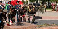 Ветераны вооруженных сил возложили цветы в Гродно (Беларусь) в память о павших в Великой Отечественной войне.