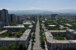 С окончанием режима чрезвычайного положения и частичным возобновлением экономической деятельности в Бишкеке стало заметно больше людей и авто. Предлагаем посмотреть на столицу с высоты.