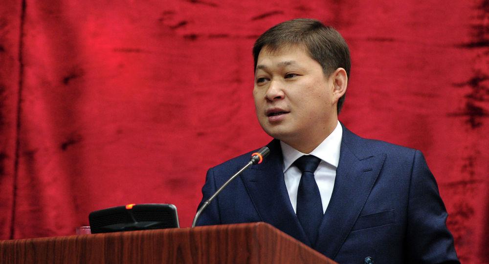 Архивное фото бывшего премьер-министра Сапара Исакова во время участия в заседании коллегии МВД КР