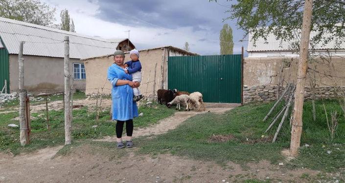 В Ат-Башинском районе прошла акция помощи 11 малообеспеченным семьям, которые получили домашних животных