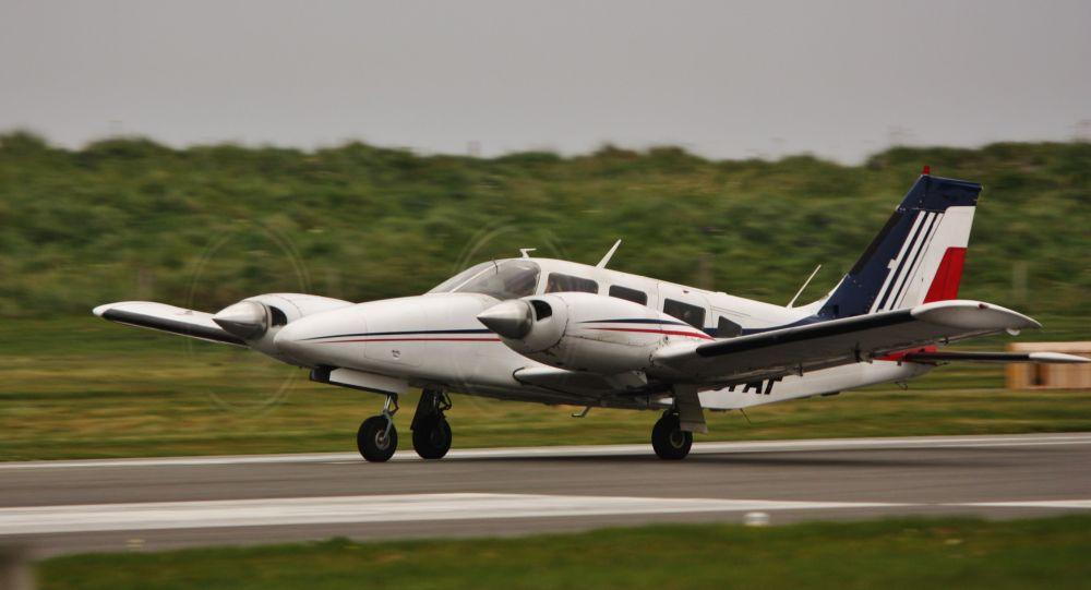 Самолет Piper PA-34 Seneca. Архивное фото