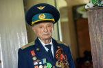 Ветеран Великой Отечественной Войны Юрий Крупин во время интервью