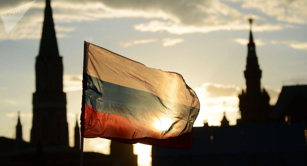 Российский флаг на праздничном концерте Россия, вперед!. Архивное фото