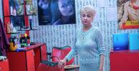 Бишкекский парикмахер Ирина Глущенко в своем салоне