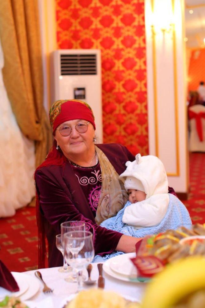 Суйун Касендеева, мать заместителя министра здравоохранения КР Нурболота Усенбаева