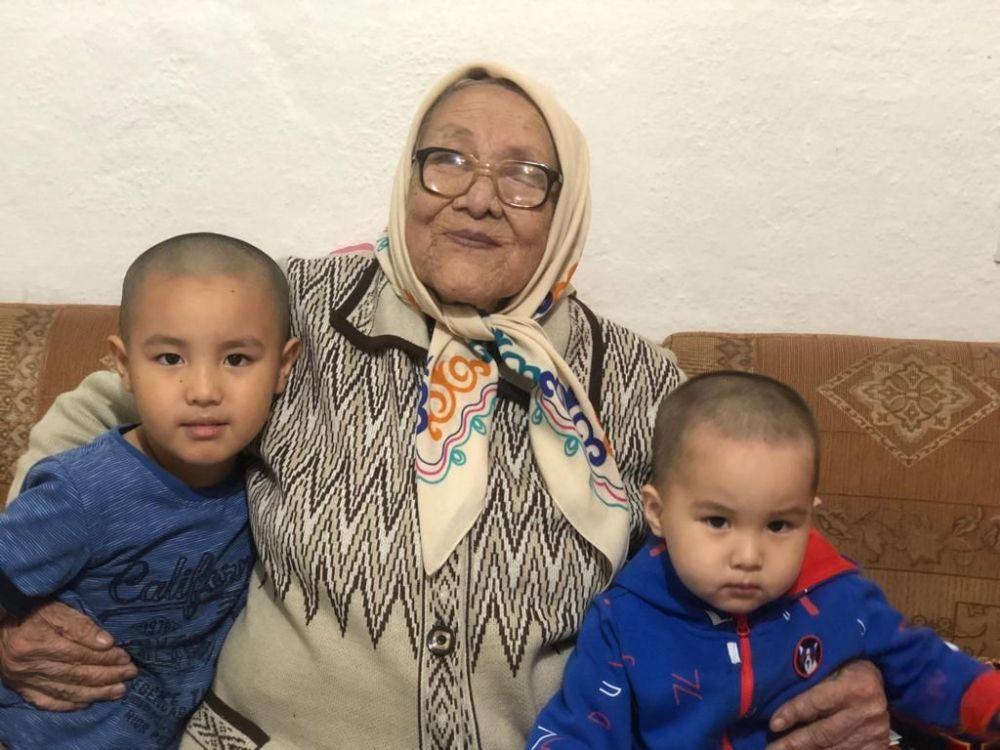 Мать полномочного представителя правительства КР в Ошской области Узарбека Жылкыбаева Зина Исмаилова