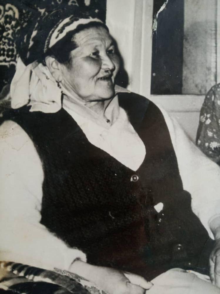 Мать полпреда правительства в Таласской области Марата Мураталиева Лала Абдыкадырова