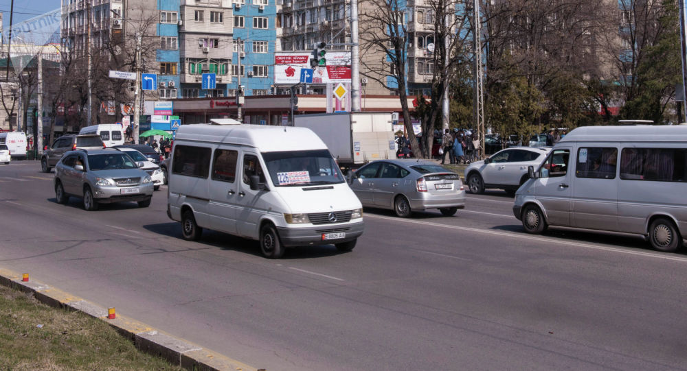 Маршруттук такси. Архивдик сурөт