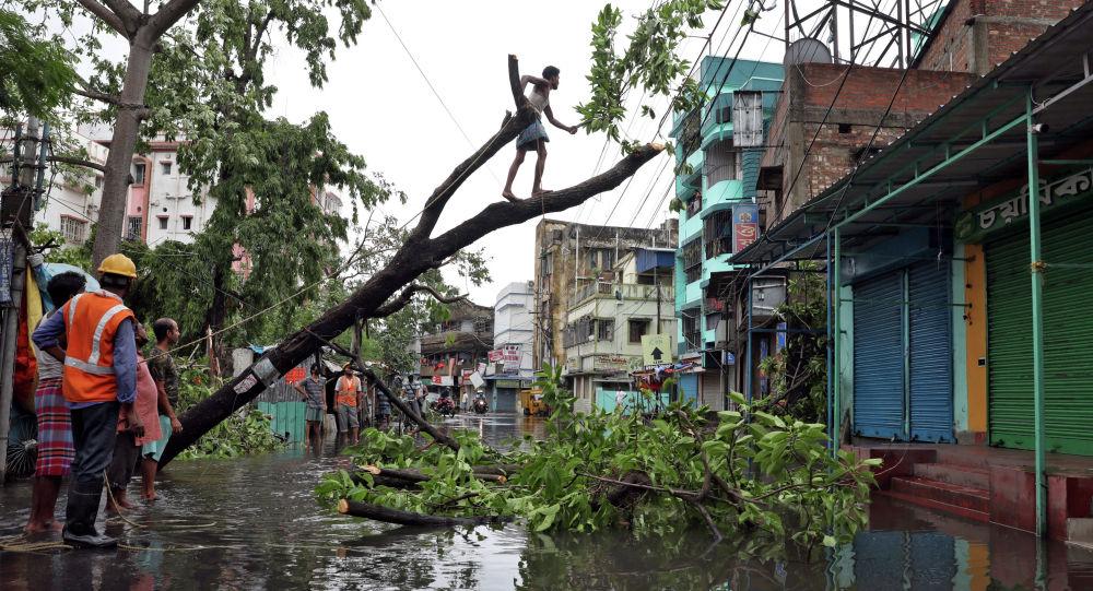 Последствия суперциклона Амфан в Индии