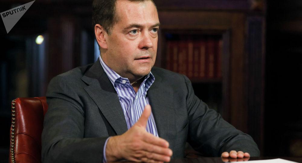 Заместитель председателя Совета безопасности РФ Дмитрий Медведев во время интервью агентству РИА Новости. Архивное фото