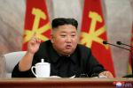 Түндүк Кореянын лидери Ким Чен Ын конференцияда сүйлөп жатат. Архив
