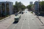 Троллейбусы едут по улице Киевская в Бишкеке. Архивное фото
