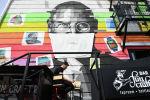 Стив Джобстун граффитисине тагылган бет кап. Архивдик сүрөт