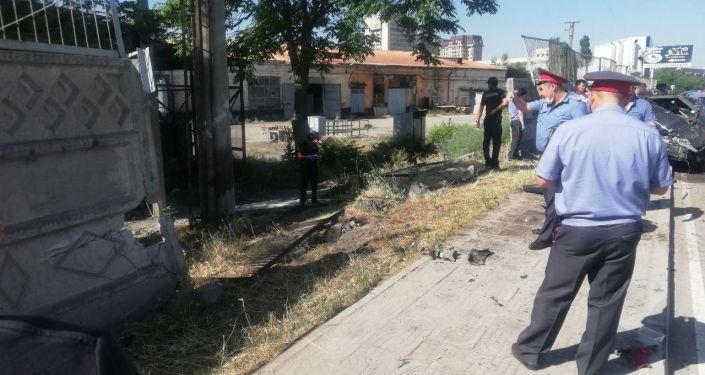 На месте ДТП на пересечении улиц Льва Толстого и Матросова в Бишкеке