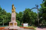 Памятник Герою Советского Союза, Военкому Киргизской ССР генерал-майору И. В. Панфилову в одноименном парке культуры и отдыха в Бишкеке