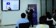 В Центре компетенции Государственной регистрационной службы КР в Бишкеке сегодня, 26 мая, состоялась презентация мобильных приложений iGov и Sanarip ID