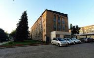 Вид на здание Октябрьского акимиата Бишкека. Архивное фото