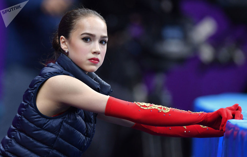 Алина Загитова готовится выступать в произвольной программе на XXIII зимних Олимпийских играх