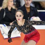 Фигуристка Алина Загитова во время выступления в произвольной программе женского одиночного катания V этапа Гран-при по фигурному катанию в Москве