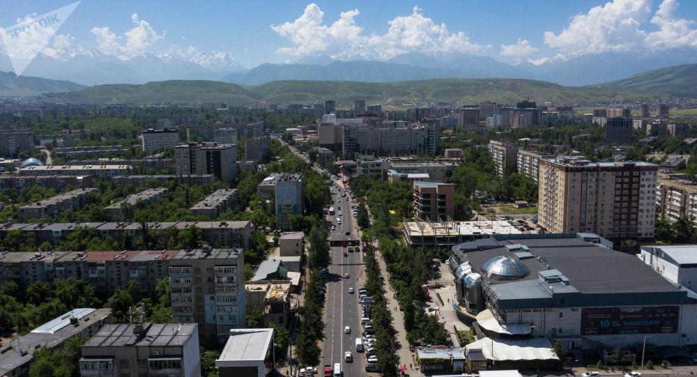 Бишкектеги көп кабаттуу үйлөрүнө көрүнүш. Архивдик сүрөт