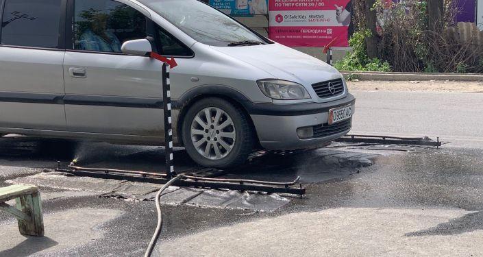 В Оше спасатель МЧС КР изобрел новую систему дезинфекции. 27 мая 2020 года