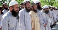 Согласно условиям договора, подписанного в столице Катара в конце февраля, афганские власти обязались выпустить 5000 заключенных боевиков в обмен на 1000 сотрудников сил безопасности Афганистана.