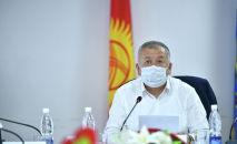 Кыргыз Республикасынын биринчи вице-премьер-министри Кубатбек Боронов Республикалык штабдын жыйынында. Архив