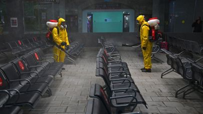 Казань вокзалын дезинфекциялоо. Архивдик сүрөт