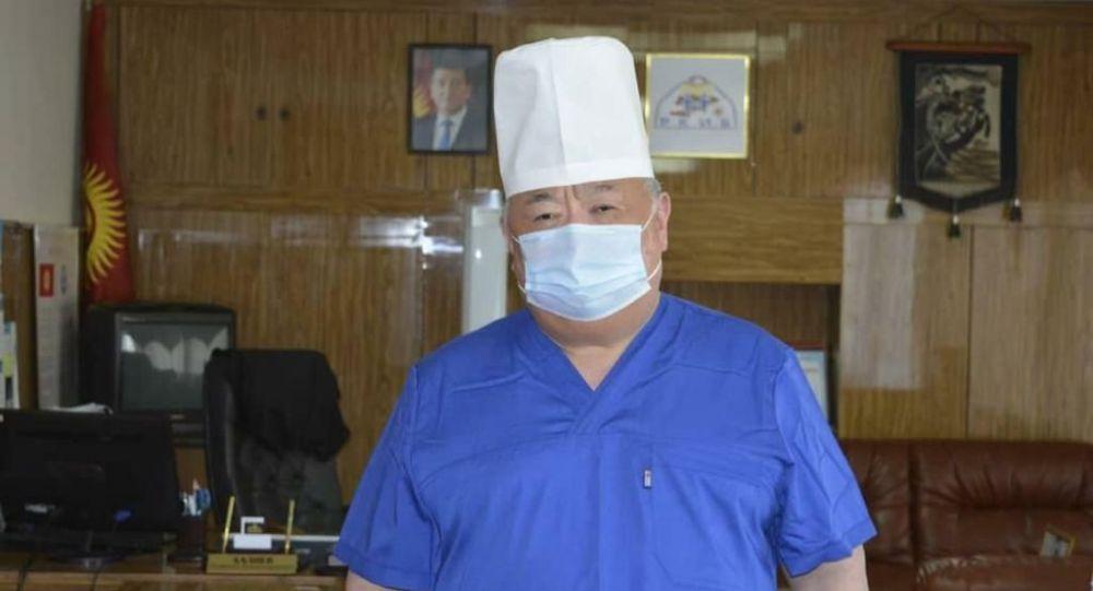 Республикалык клиникалык жугуштуу илдеттер ооруканасынын жетекчиси Гүлжигит Аалиев. Архив