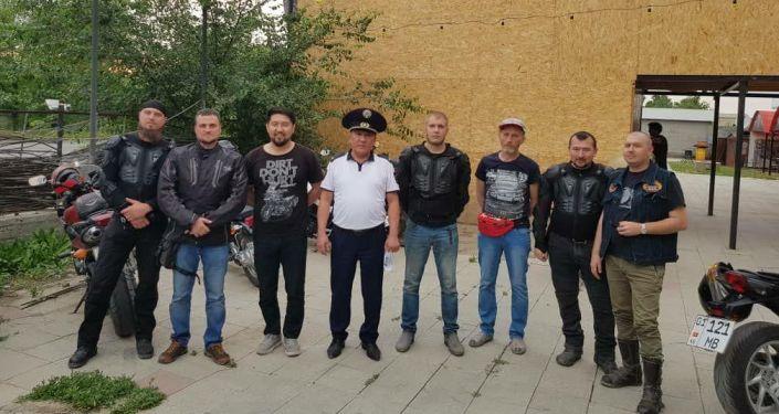 Инспекторы Управления патрульной службы милиции Бишкека провели встречу с байкерами из-за жалоб горожан