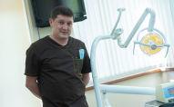 Директор стоматологической клиники, доцент кафедры КРСУ Рустам Нуритдинов