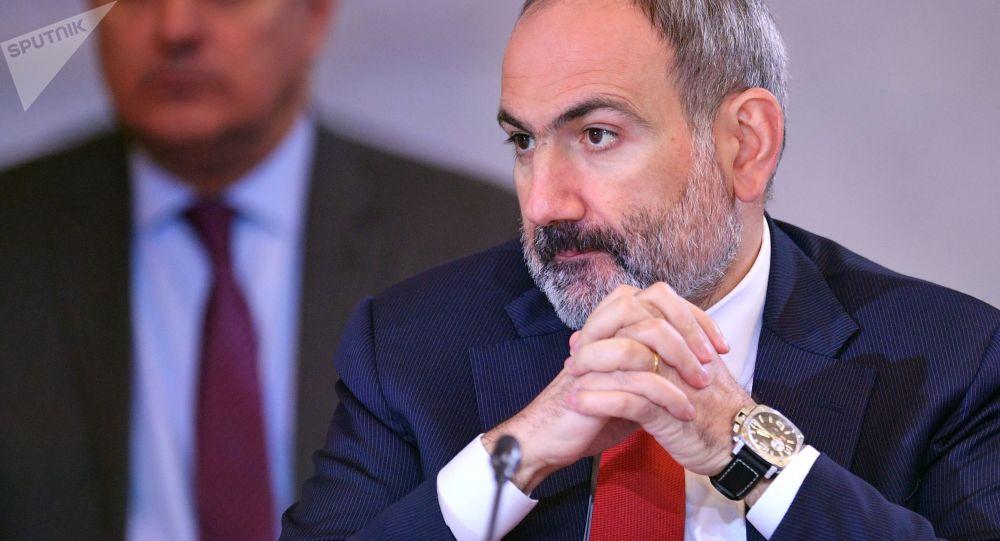 Армениянын премьер-министри Никол Пашинян жолугушууда. Архив