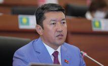Жогорку Кеңештин жыйынында депутат Нурбек Алимбеков