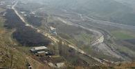 Вид на приграничное село в Лейлекском районе Баткенской области. Архивное фото