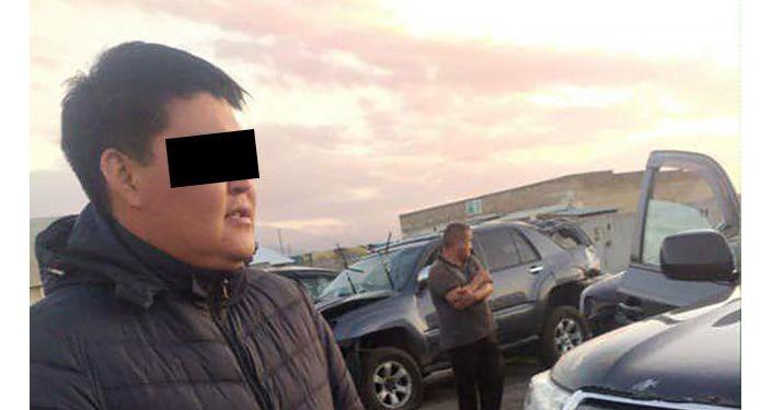 Задержан водитель, протаранивший будку с охранником в центре Бишкека