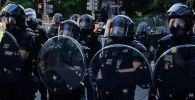 Сотрудники полиции во время акции протеста. Архивное фото